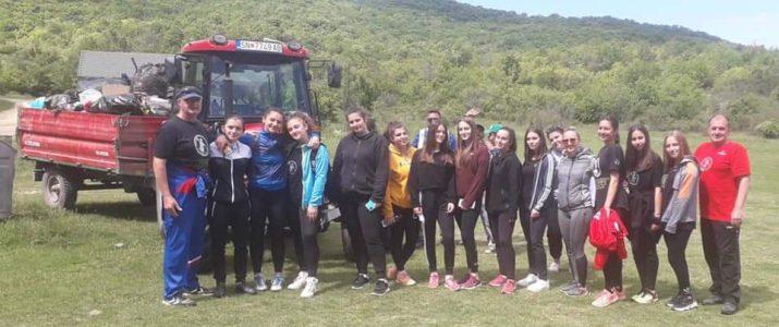 Релизирана еколошка акција за чистење на излетничкото место Бареш