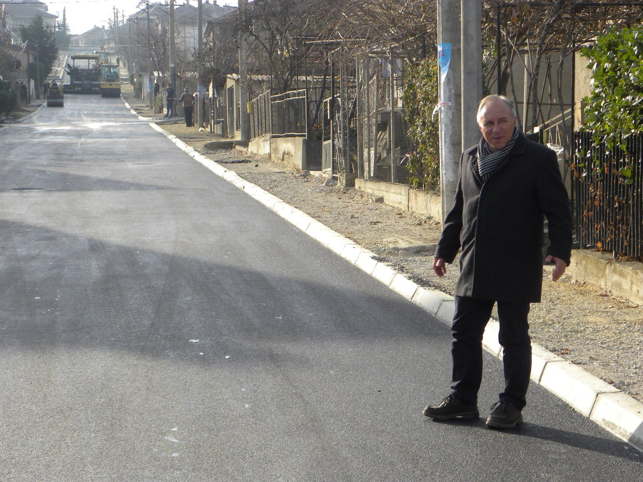 """Заврши изградбата на двете улици """"Крсте Мисирков"""" и """"Младинска"""" во должина од 1720 метри"""