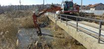 Чистење на речните корита